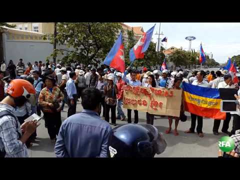 Cambodia Youth Warn of Larger Protests over Vietnamese Diplomat's Statement