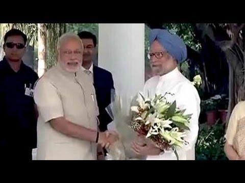 Prime Minister Narendra Modi visits Manmohan Singh