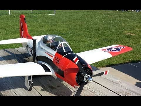 Banana Hobby T-28 Trojan With Retracts