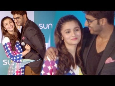 Alia Bhatt And Arjun Kapoor Spread Love