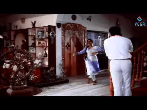 Aayanaki Mugguru - Mammootty And Bhanu Priya Express Their love