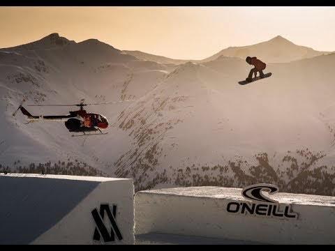 Suzuki Nine Queens 2014 | Snowboarders storm the castle