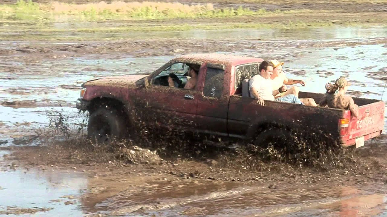Mud Truck 1920 : Pin mud bogging trucks submited images pic fly pictures on