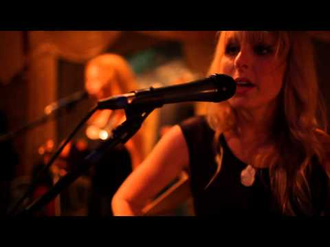 Trista Mabry – The Reverse Cowgirls Son's Gonna Rise (Citizen Cope Cover)