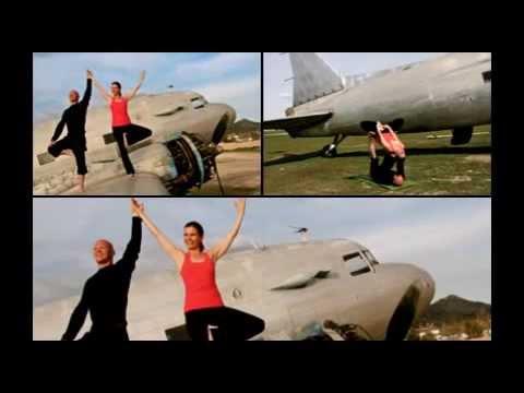 Douglas DC3 yogaFLIGHT Photoshoot