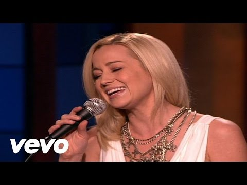 Kellie Pickler - Stop Cheatin' On Me (Live)