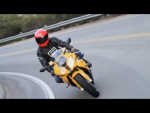 BMW S 1000 RR -- KBB Motorcycle Review