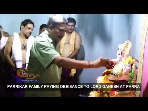 CHIEF MINISTER MANOHAR PARRIKAR PAYING OBEISANCE TO LORD GANESH