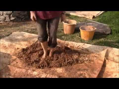 How to make a cob oven or clay oven part one youtube for How to make a cob oven