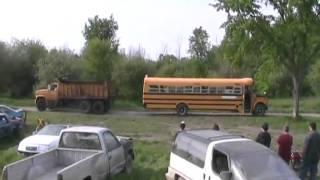Dumptruck Versus School Bus, Tug Of War Davidsfarmison