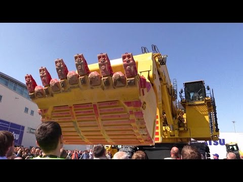 Giant Komatsu PC7000-6 Faceshovel Mining Excavator Demo @ Bauma 2016