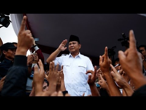 Indonesia's Presidential Candidates Rush to Win Over Young Voters (LinkAsia: 7/4/14)