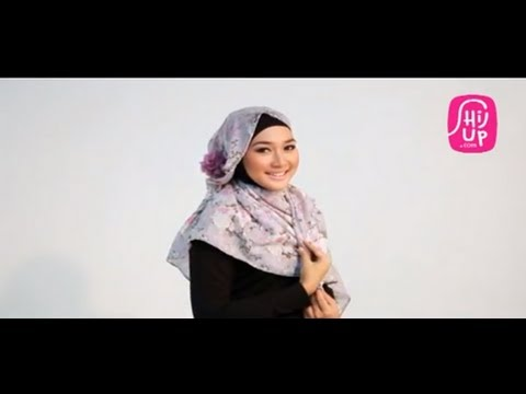 Hijab Style Tutorial 7 by HijUp.com