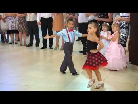 Trẻ em khiêu vũ thể thao - Children's dancesport