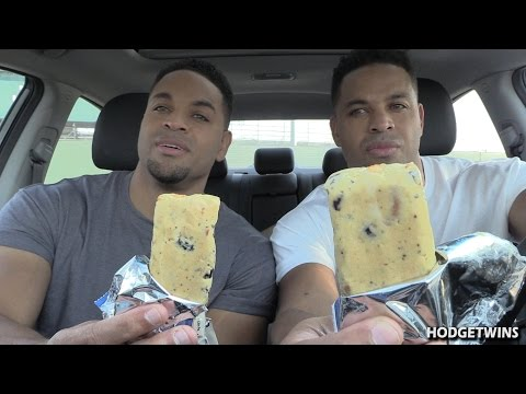 Eating Blueberry Muffin Quest Protein Bars @Hodgetwins @questnutrition
