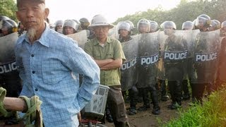 Vietnamese Cautiously Stand up to Police Brutality (LinkAsia: 11/2/12)