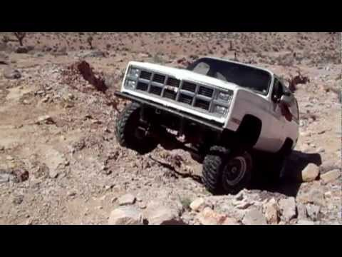 LS Powered K5 blazer The Arctic Blaze crawling