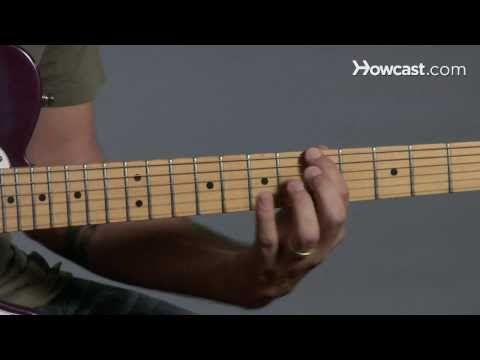 How to Play Guitar: Beginners / Pentatonic Scale: Pattern 1 Major Scale over Top