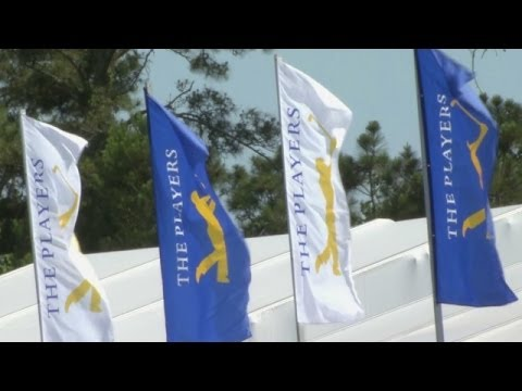 Martin Kaymer ties course-record 63 to lead THE PLAYERS