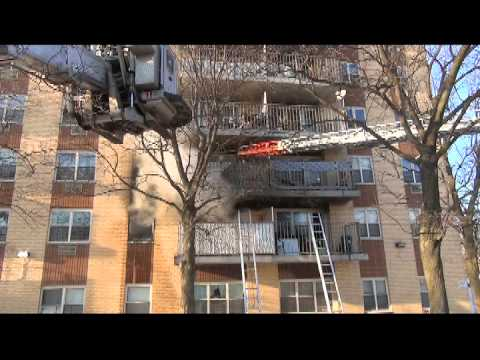 Apartment fire with balcony rescue in N.Y.