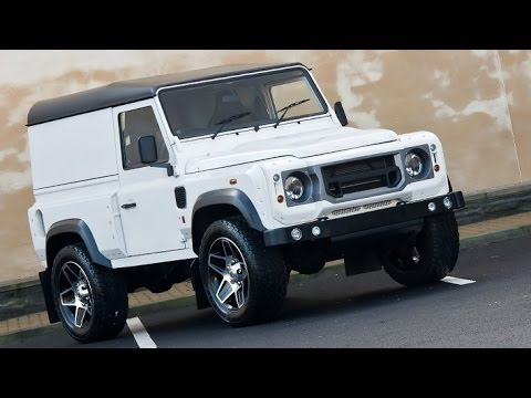 ?#landrover Kahn Design Land Rover Defender White