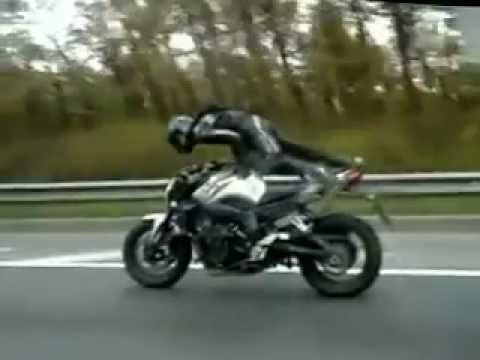 Video Increible de Acrobacias en Moto