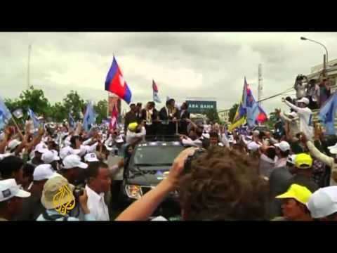 Cambodia's political row threatens economy