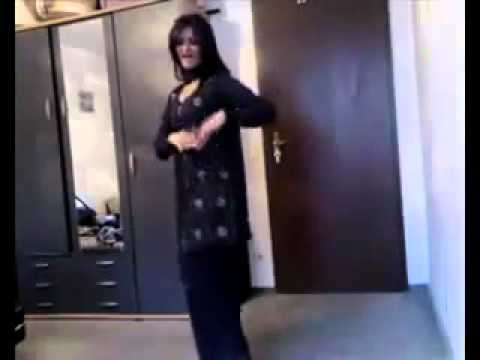 Ayesha khan dance