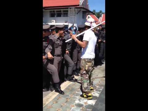 Biểu tình bóp chym ở Thái Lan