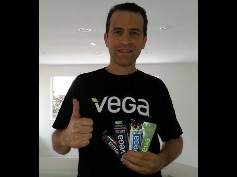Vega Dark Chocolate Mixed Nuts and Sea Salt Snack Bar Review