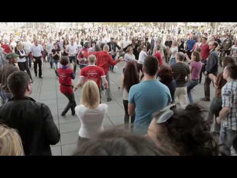 International Rueda De Casino Multi Flash Mob (HD) - Stuttgart 2014
