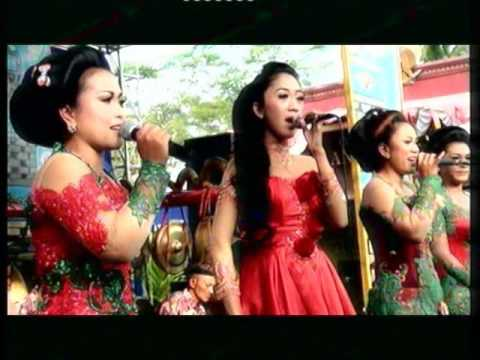 Sunatan Bntang Kharisma~PRAHU LAYAR ALL ARTIS~Adi laras