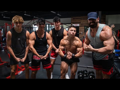 TEACHING THE BOYS HOW TO TRAIN ARMS W/ TRISTYN LEE FT. BRYCE HALL, JOSH RICHARDS, AND BLAKE GRAY
