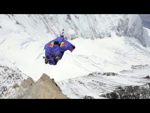 Mount Everest Wingsuit Jump Video: Man Jumps Off Peak With Wingsuit