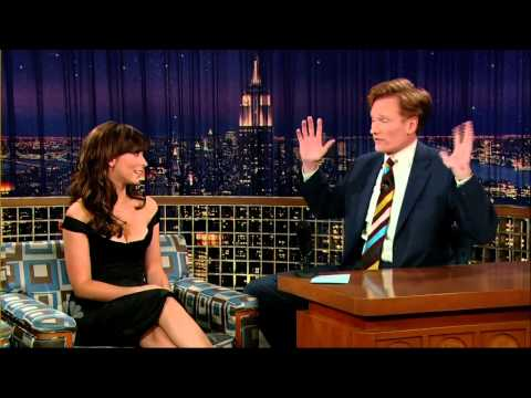 """I know, I'm sorry!"", Jennifer Love Hewitt on Conan"