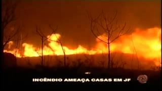 Inc�ndio amea�a casas em JF