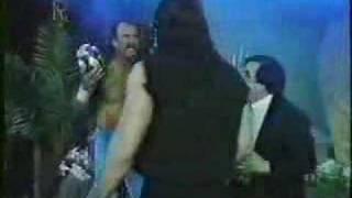 Undertaker+Jake Roberts At Funeral Parlor
