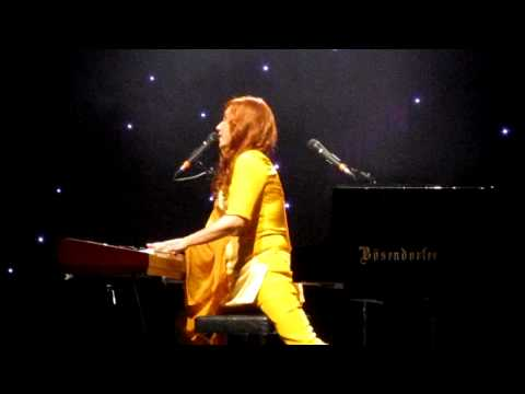 Tori Amos - Purple people. Live in Milan 2011 (Teatro degli Arcimboldi)