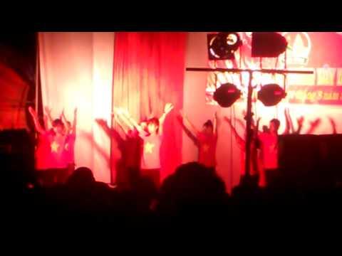 Xóm KĐ1 nhảy Flashmob Việt Nam ơi + Nối vòng tay lớn