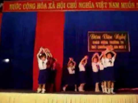 Em Là Hoa Hồng Nhỏ - Học sinh Lớp 2 trường Tiểu Học Lộc Hưng-16.01.2013