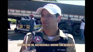 Instrutor de autoescola morre ao bater carro em carreta na MG-190