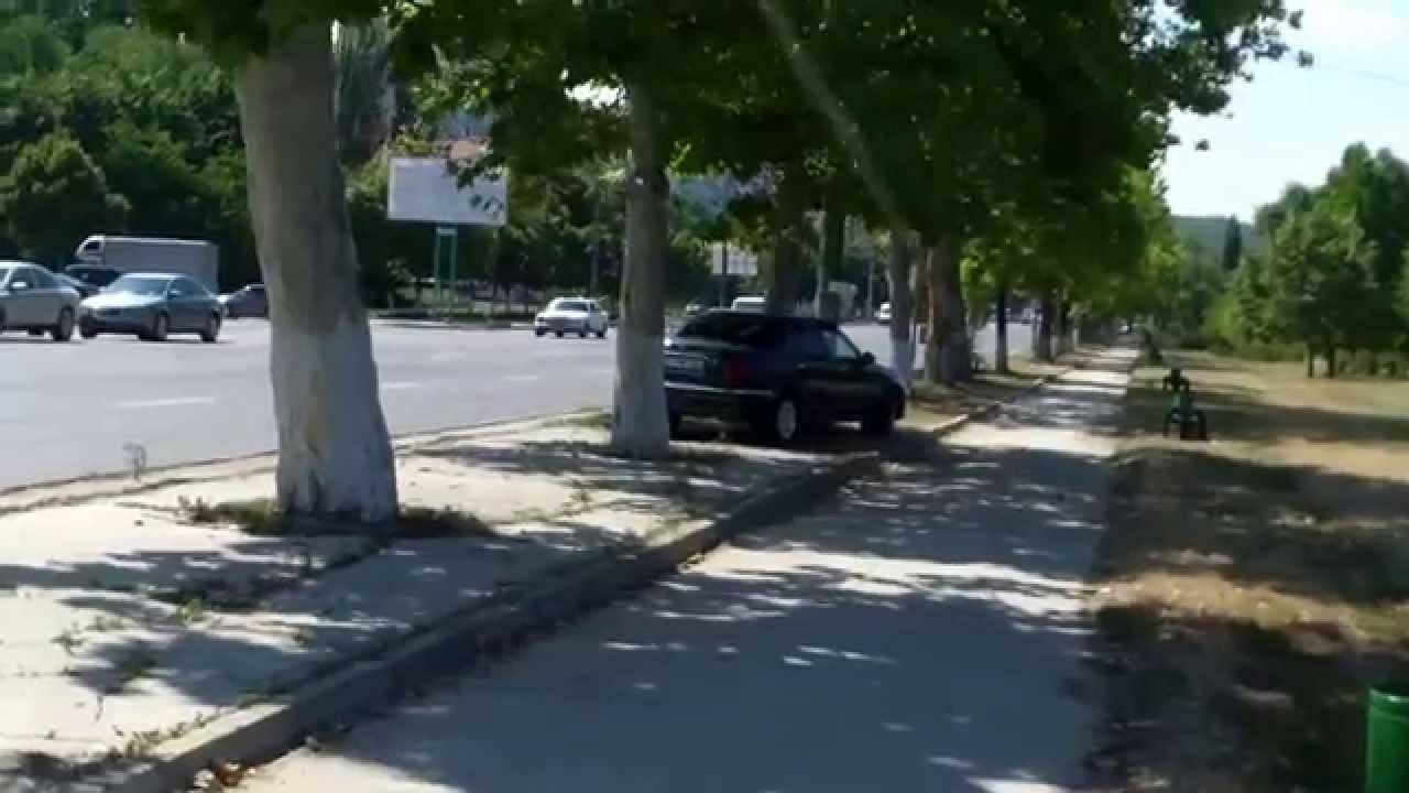 Mașini parcate ilegal și alte fărădelegi lîngă lacul La izvor