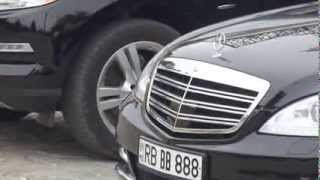 Mașini de lux la Mitropolia Moldovei