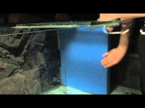 Corner filter installation with Poret foam