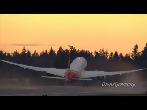 Hainan Airlines 787 Wing Waves On Delivery Flight @ KPAE