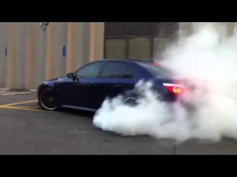 BMW M5 Burnout