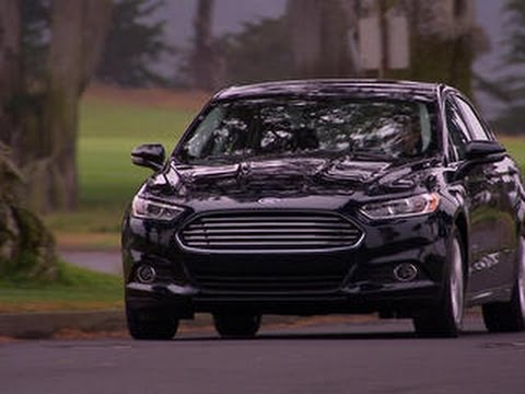 Ford Fusion Energi drives electric