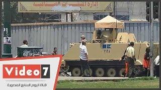 بالفيديو.. قوات الجيش والشرطة ووحدات التشويش تصل إلى التحرير
