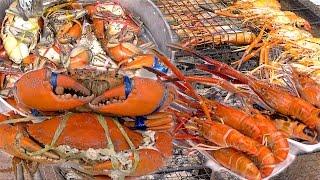 Crabs and Shrimps River Prawns  | Seafood Street Food Thailand ** WARNING Alive Fresh ***