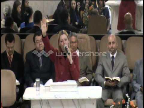 Irmã Lucia Pregando a palavra de Deus  congresso 2013